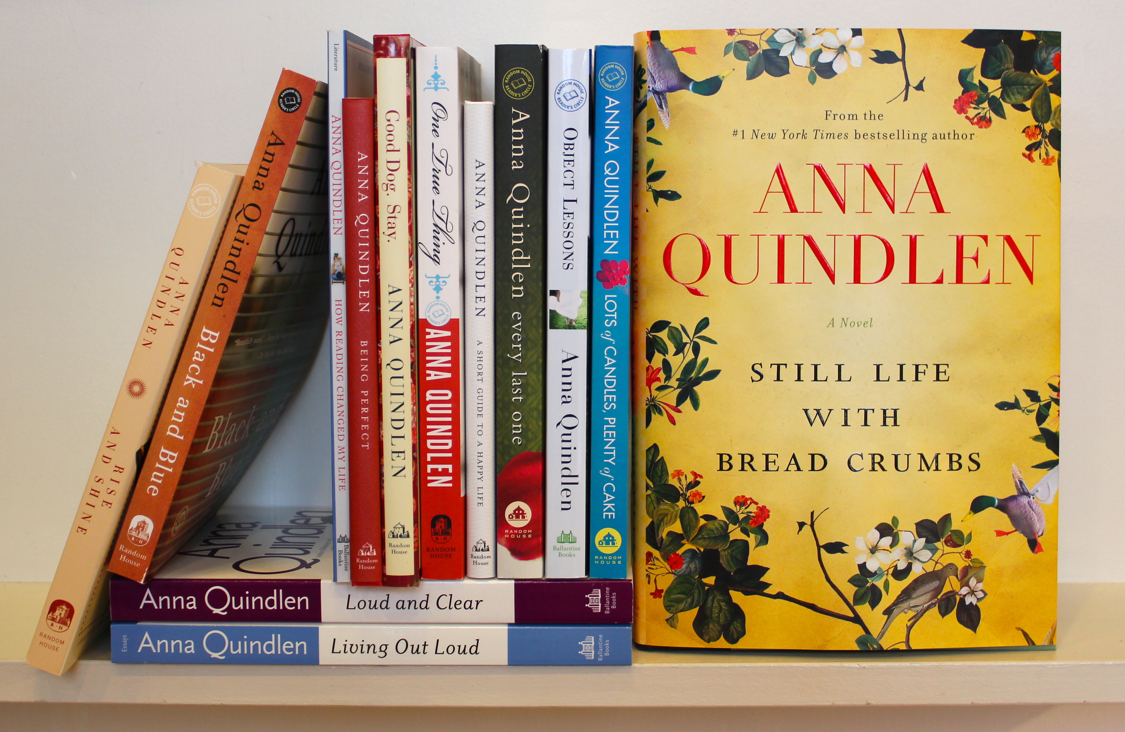 applause to anna quindlen essay Commentary and archival information about anna quindlen from the new york anna quindlen's collection of essays deals with crossing the rubicon from late middle.